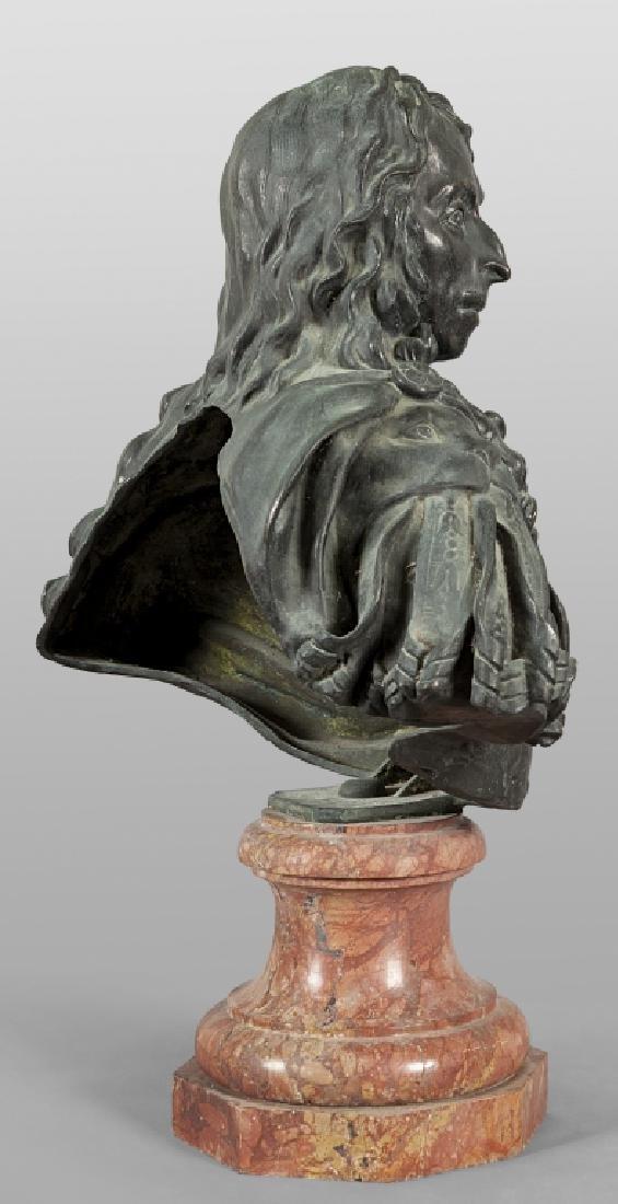 Antico busto in bronzo a patina scura - 4