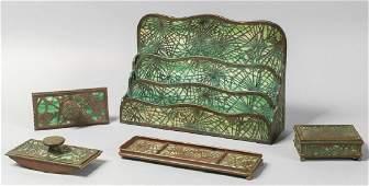 Set da scrivania Tiffany in vetro opalescente e