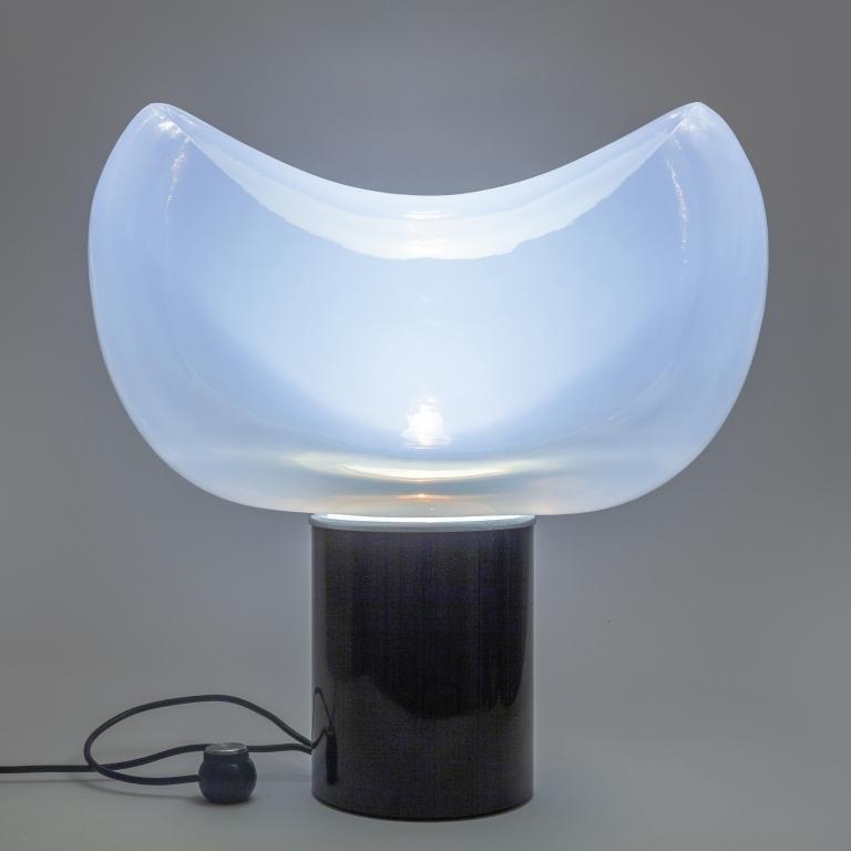 LEUCOS (Editore) Una lampada da tavolo, anni