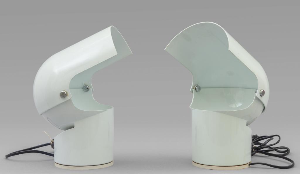 "GAE AULENTI  Due lampade da tavolo ""Pileino"""