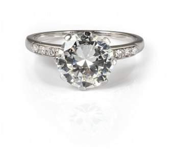 Anello in oro bianco con incastonato un diamante
