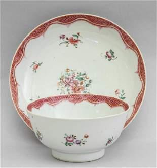 Coppa con piatto in porcellana a decoro floreale