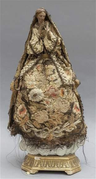 Madonna scultura in legno policromo con vestiti