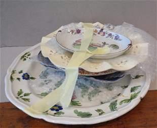 Cinque piatti diversi in ceramica