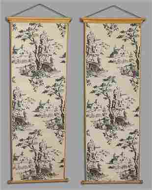 Coppia di pannelli su carta intelata decorati in