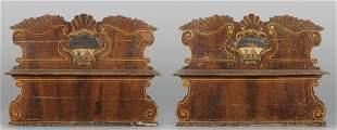 Coppia di panche con schienale in legno dipinto
