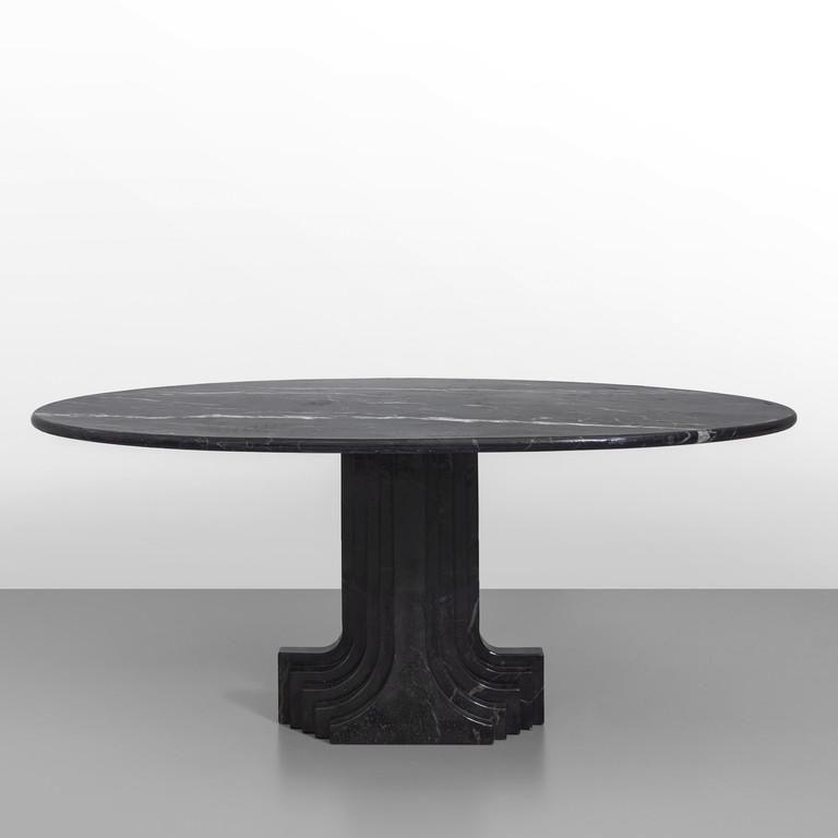 UFFICIO TECNICO GAVINA Un tavolo 'Doria' per