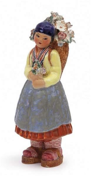 MGA Una figura di contadina in ceramica anni