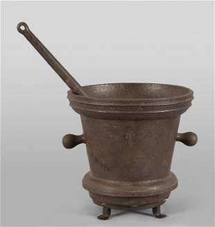 Antico mortaio in ferro con pestello diam cm