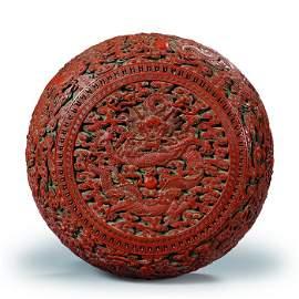 Scatola in lacca rossa a tre  colori decorata
