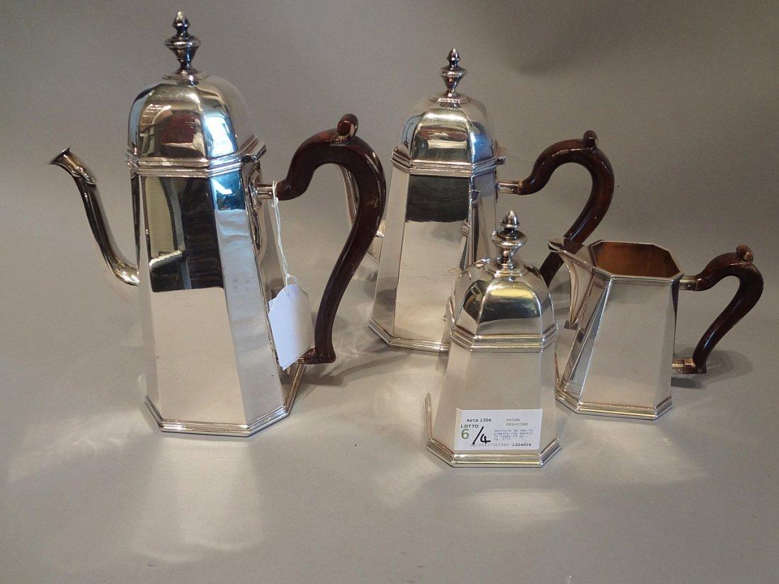 Servizio da the in argento con manici in legno (4