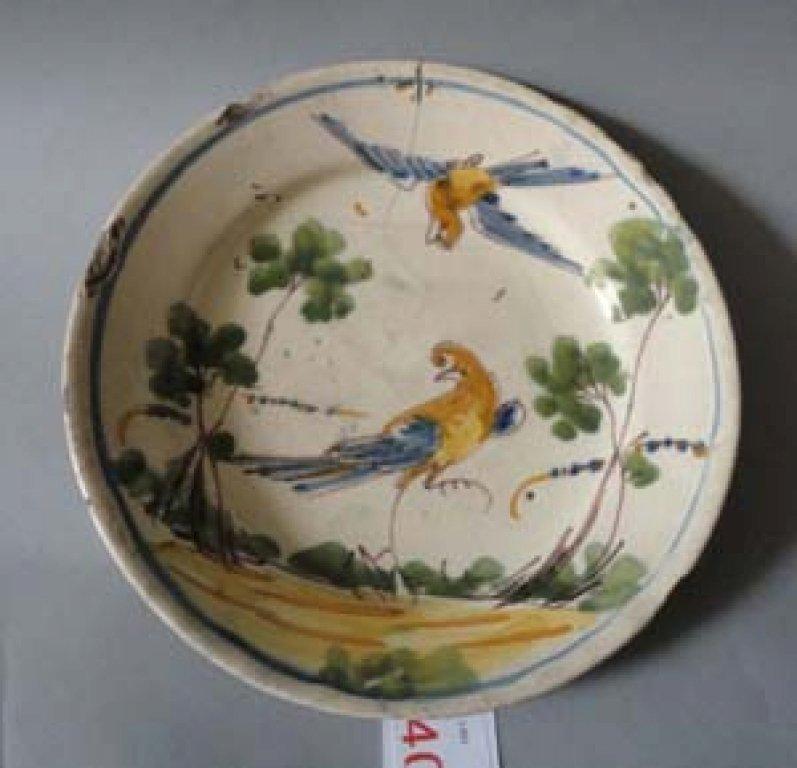 Piatto in ceramica decorato con uccelli, Savona