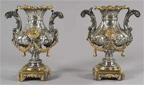 Coppia di vasi Luigi XIV in argento finemente