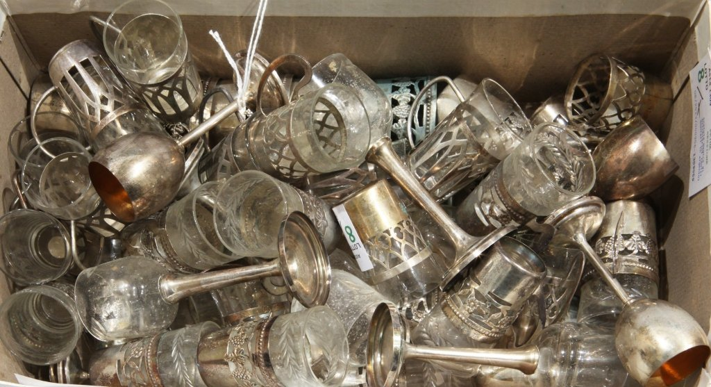 Scatola magica di bicchierini (molti montati in