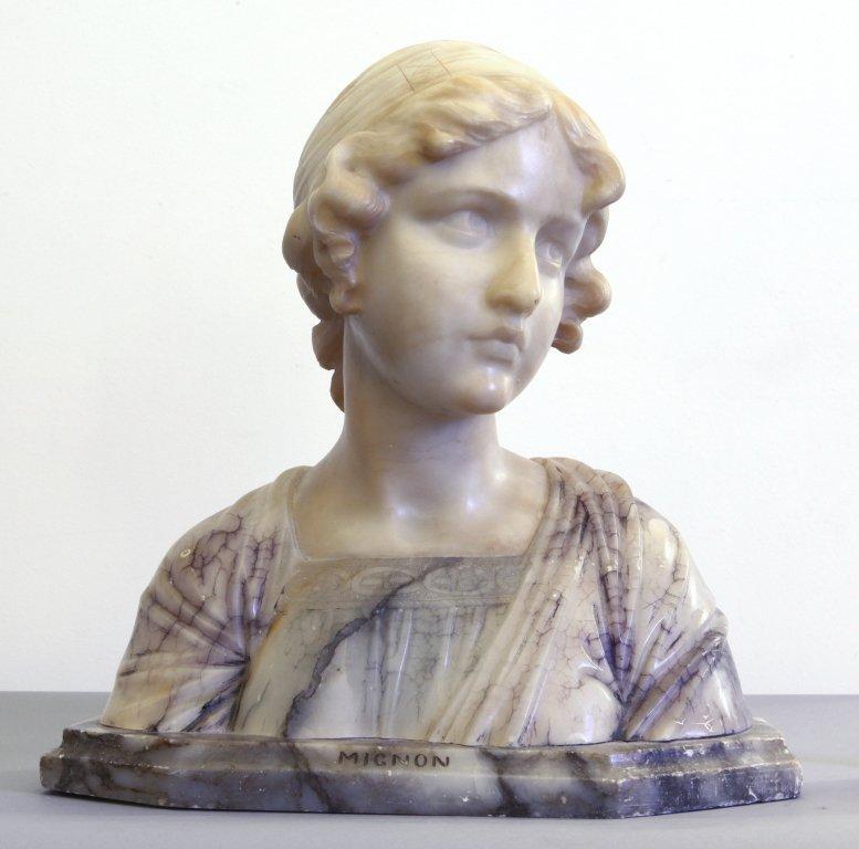 Giovane donna, scultura in alabastro,