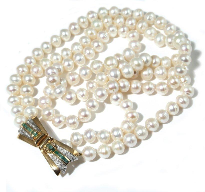 Collana a doppio filo di perle con chiusura in
