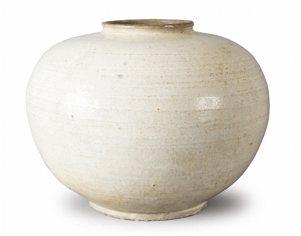 Vaso in ceramica orientale bianco,