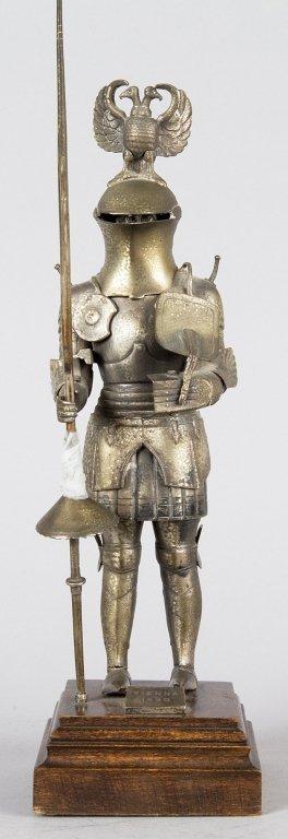 Cavaliere con armatura in argento h. cm.24