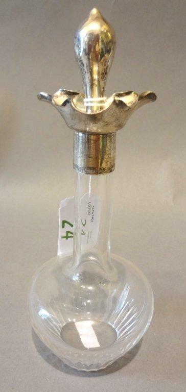 Bottiglia in cristallo molato con terminale in