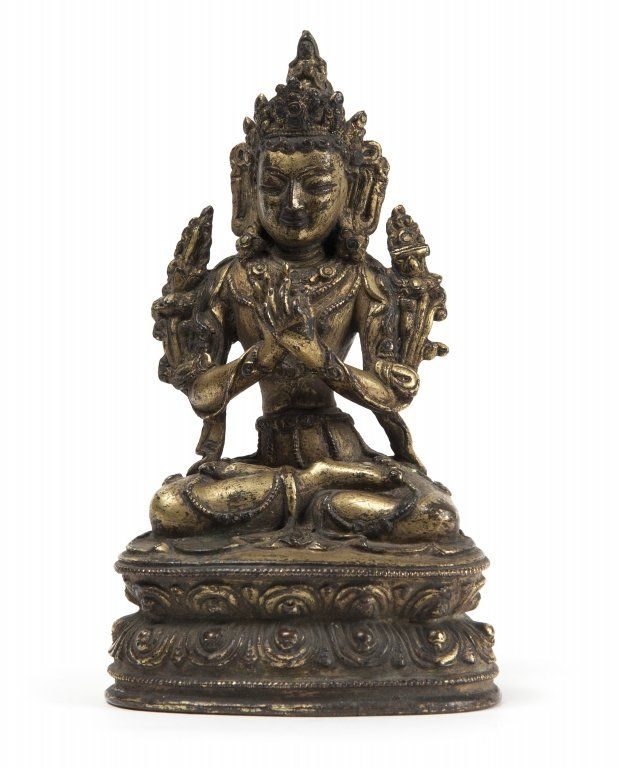 Avalokiteshvara in bronzo dorato seduta su fiore