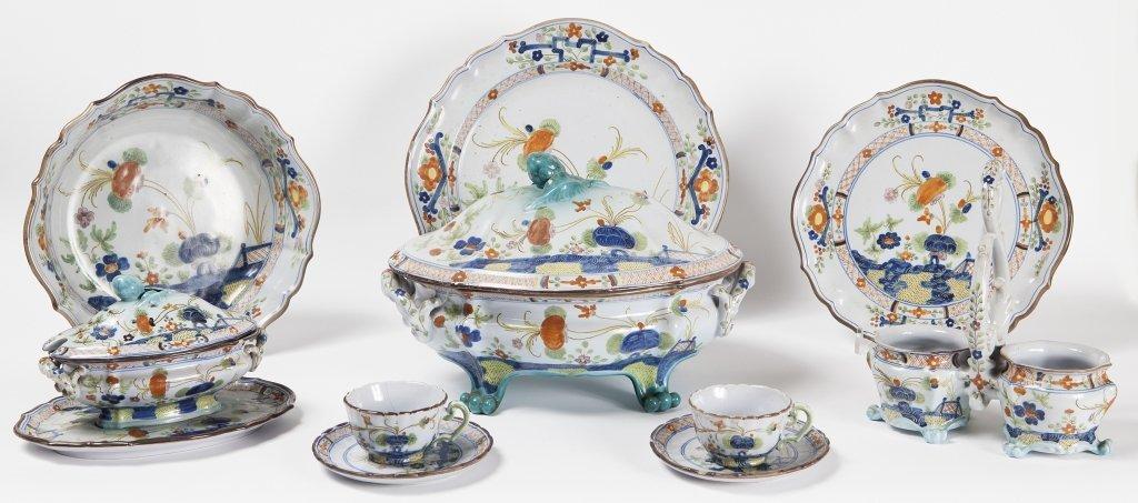 Servizio di piatti in ceramica di Faenza decorato
