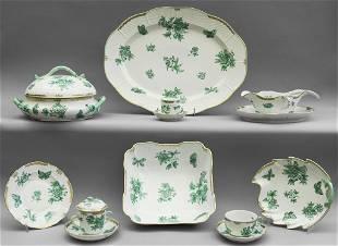 Servizio di piatti in porcellana Herend bianca