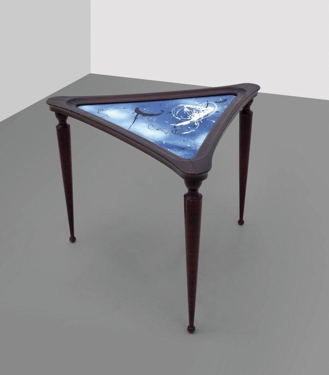 OSVALDO BORSANI, LUCIO FONTANA Un tavolino,