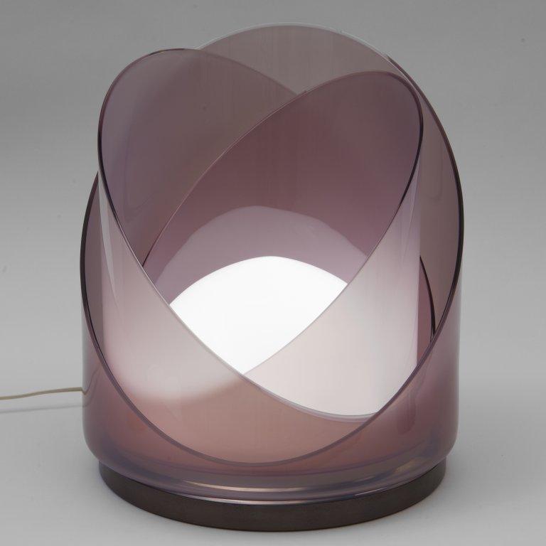 MAZZEGA  Una lampada da tavolo, anni '70.