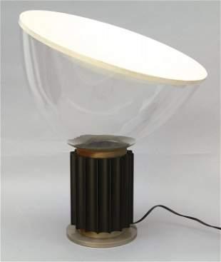 ACHILLE CASTIGLIONI Una lampada da tavolo