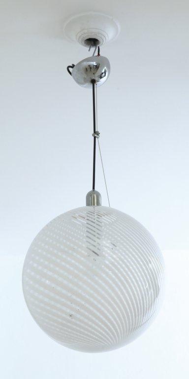 TRONCONI (Editore) Una lampada a sospensione