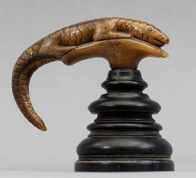Manico di bastone in corno di rinoceronte a forma