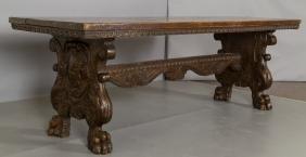 Grande tavolo da pranzo rinascimentale in noce