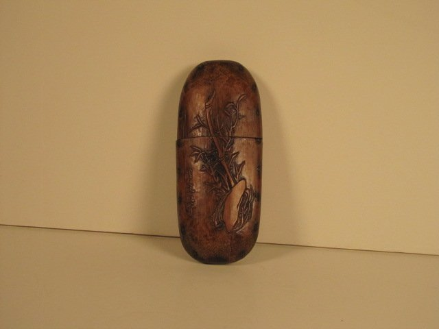 CARVED BAMBOO GLASS CASE