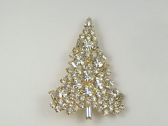 Vintage Swarovski Crystal Christmas Tree Pin