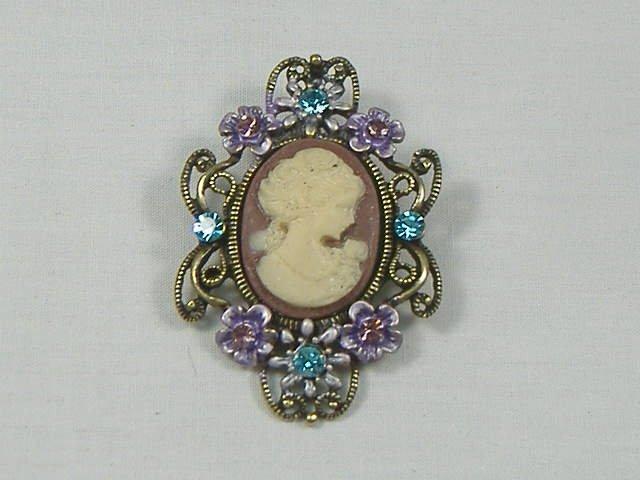 Vintage Amethyst Crystal Cameo Pin/Brooch/Pendant