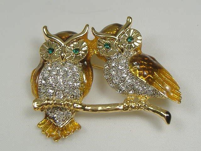 Vintage Swarovski Crystal Perched Owl Pin/Brooch