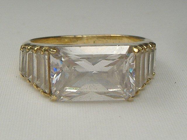 Vintage Ladies Crystal Ring