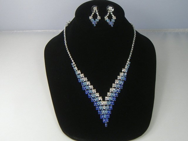 Sapphire Crystalleria Necklace and Earring Set