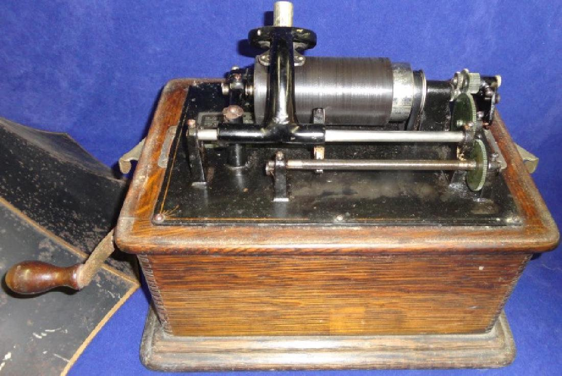 EDISON STANDARD TABLE-TOP PHONOGRAPH - 2
