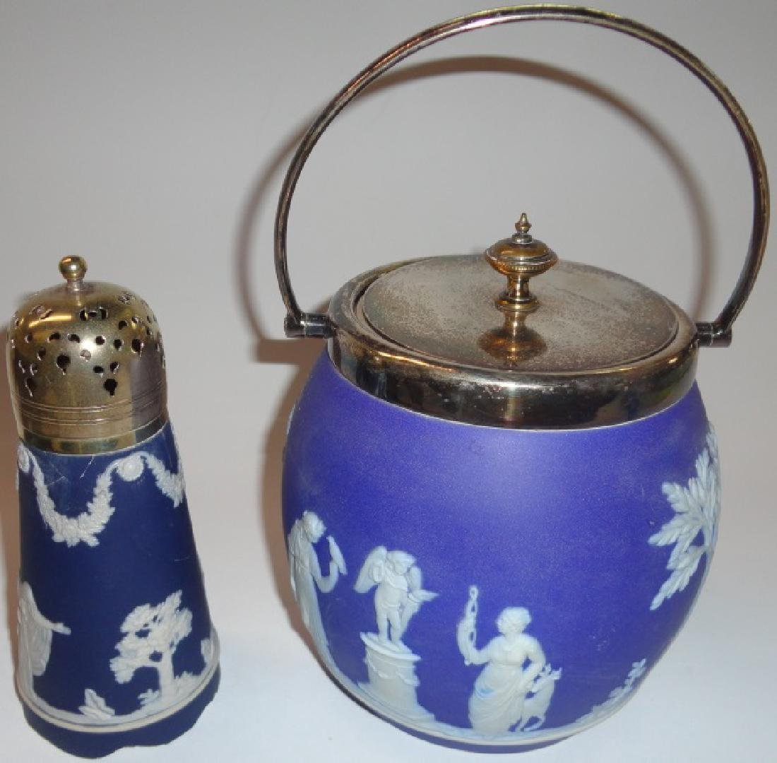 *2 PIECES OF WEDGWOOD POTTERY