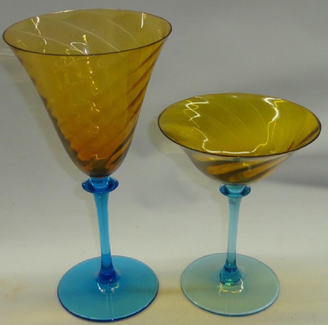 *8 PIECES OF ART GLASS STEMWARE