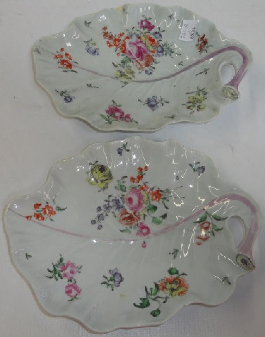 *PAIR OF 19TH C. WORCESTER DISHES