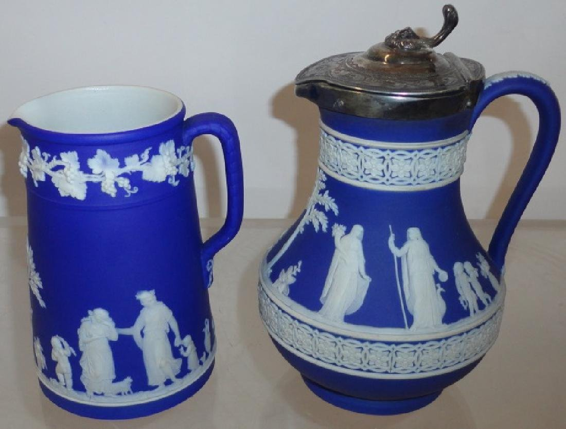 2 PIECES OF BLUE WEDGWOOD