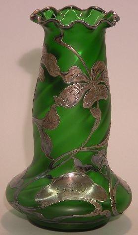 1015: LOETZ GREEN ART GLASS VASE| Tapered cylindrical f