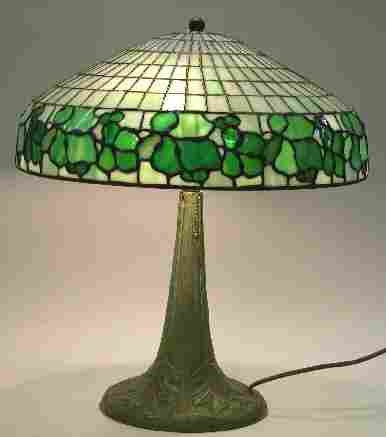 1192: ART NOUVEAU LEADED GLASS TABLE LAMP| Fitted with