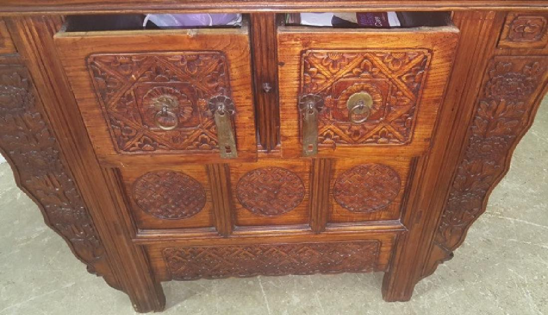 *CHINESE CABINET - 3