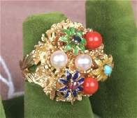 1408 14K YELLOW GOLD COCKTAIL RING Floral form set wi