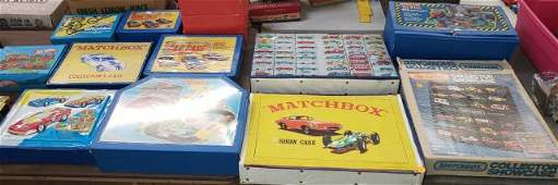 *GROUP OF HOT WHEELS AND MATCHBOX CARRYING CASES