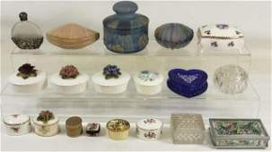 *GROUP OF MISCELLANEOUS PORCELAIN AND GLASS