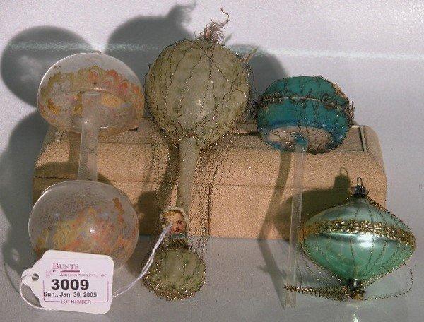 3009: ***FOUR GLASS CHRISTMAS ORNAMENTS| Mushroom with